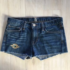 Figue Cut-off Shorts with Appliqué